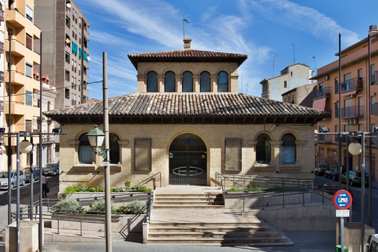 Ayuntamiento de zaragoza monumentos teatro del mercado - Arquitectura en zaragoza ...
